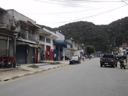 Figura 52. Avenida principal de Vila Nova, com pavimentação e acesso ao ponto final de ônibus.