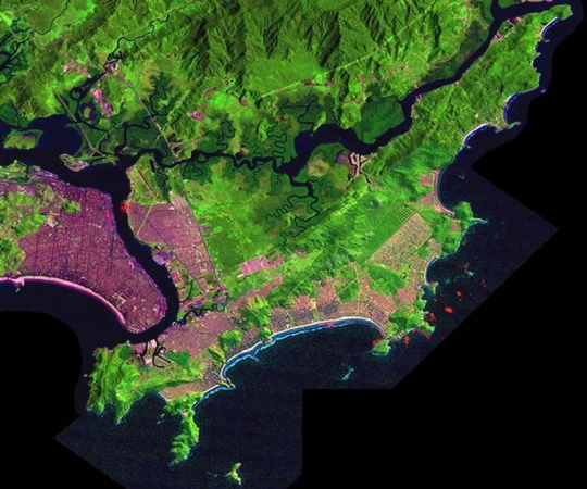 Fotografia 01: Vista da Ilha de Santo Amaro onde está inserida a cidade do Guarujá, Fonte: http://www.novomilenio.inf.br/guaruja/gmapasag.htm